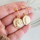 Argolas pendente moeda